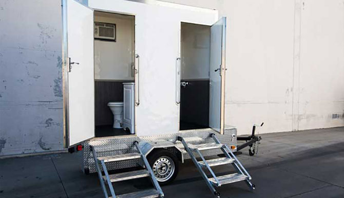 restroom-trailer-2-room-featured